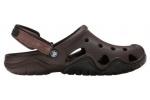 zueco-hombre-swiftwater-crocs-marron-5