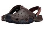 zueco-hombre-swiftwater-crocs-marron-6